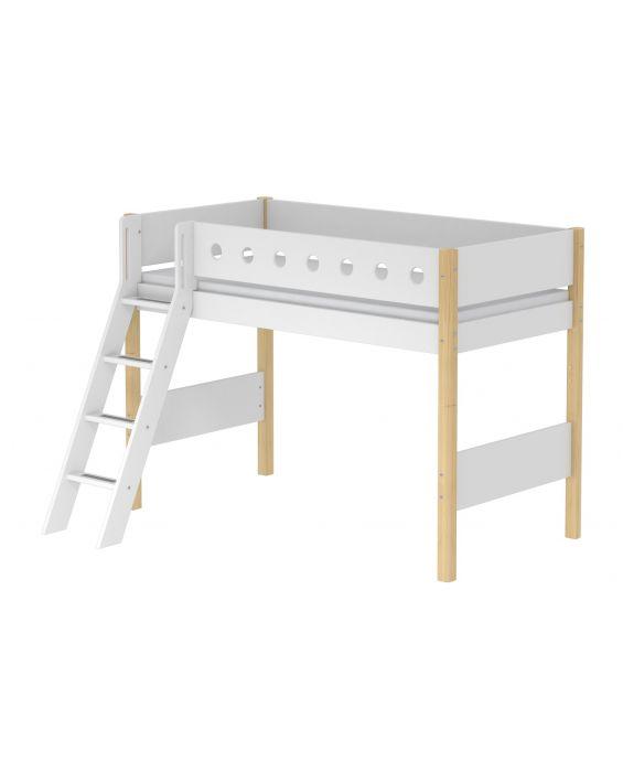 White - Mittelhohes Bett mit Schrägleiter - 200 cm